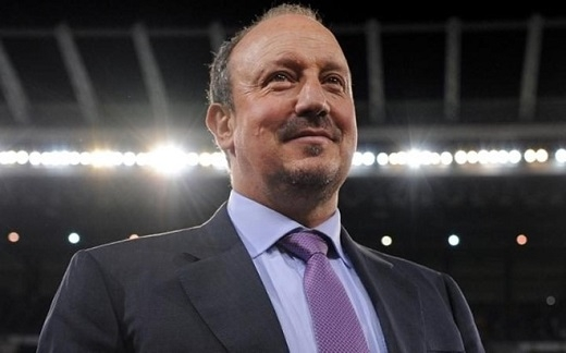 Rafa Benitez đang gặp vô vàn khó khăn trong lần trở lại Ngoại hạng Anhthứ 3của mình.(Ảnh: Internet)