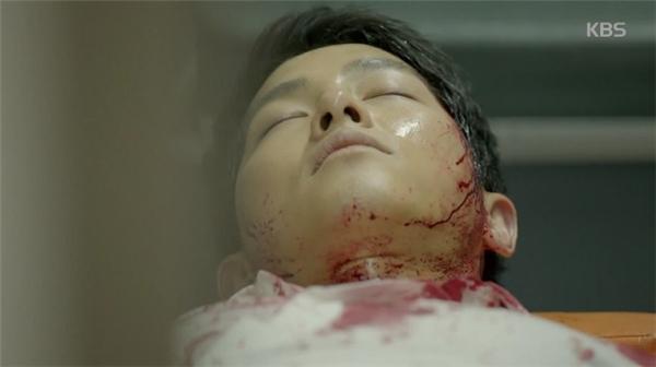 """Khi nhập viện, tình trạng của đại úy Yoo Shin Jin đã rất nguy kịch. Bác sĩ Lee Chi Hoon khẳng định:""""Đã tử vong. Tim không còn hoạt động."""""""
