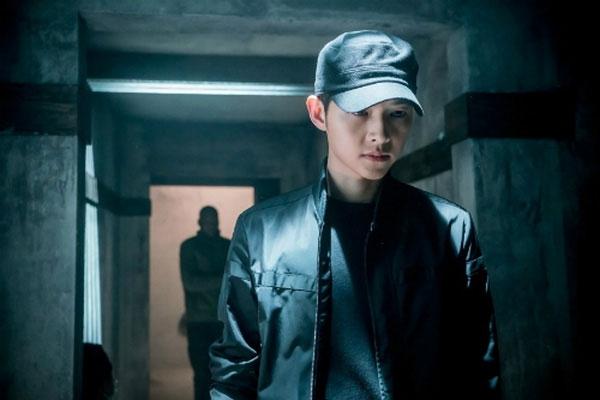 Tạo hình cực chất này của Song Joong Ki khiến rating của phim chạm mức 40%.