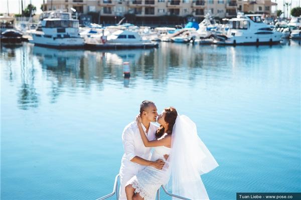 Nụ hôn ngọt ngào của cô dâu, chú rể. - Tin sao Viet - Tin tuc sao Viet - Scandal sao Viet - Tin tuc cua Sao - Tin cua Sao
