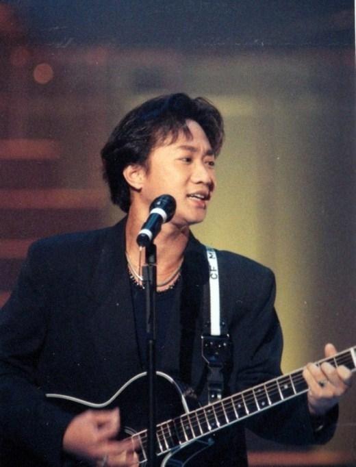 Huỳnh Gia Câu gặp tai nạn bất ngờ vào năm 1993 khi đang lưu diễn tại Nhật