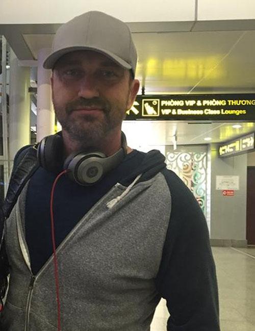 Một số người hâm mộ đã gặp gỡ Regard ngoài đời chia sẻ, anh không may bị mất ví tiền trên chuyến bay đến sân bay Tân Sơn Nhất.