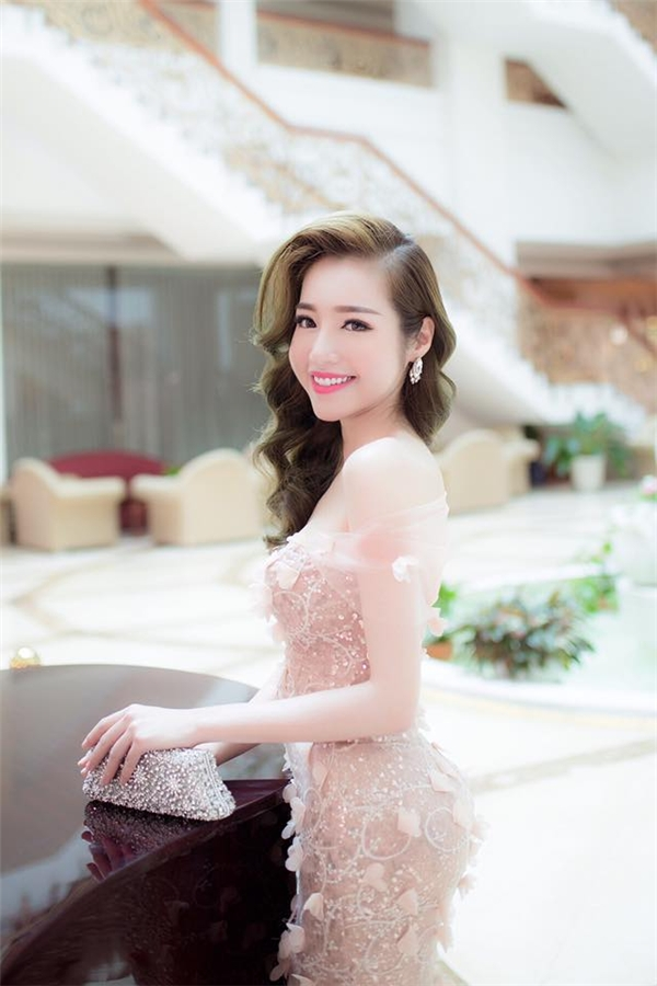 Elly Trần giờ đã là mẹ của 2 thiên thần rất đáng yêu.