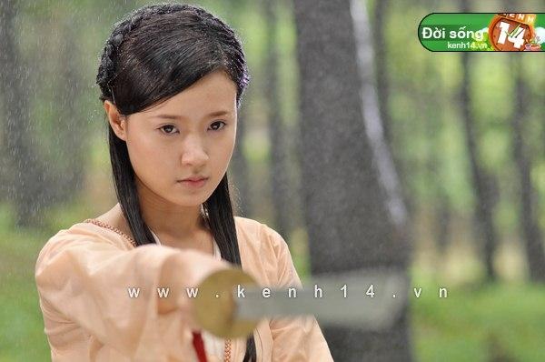 """Midu năm 2011 trong phim """"Thiên mệnh anh hùng"""". Đây đã trở thành vai diễn bứt phá nhất trong năm của cô nàng hot girl Midu."""