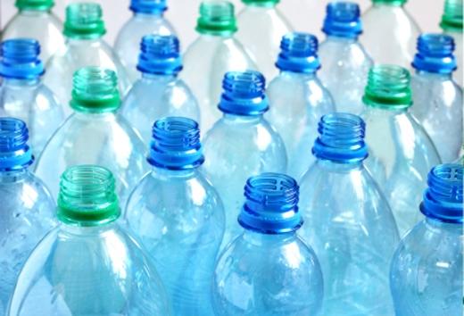 Sản phẩm: chai nước uống, nước ngọt vỏ mỏng thông thường. (Ảnh: Internet)