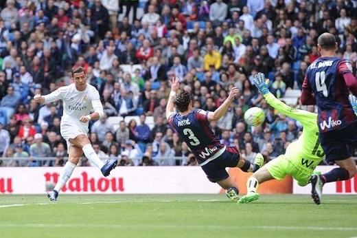 Real cần Ronaldo duy trì phong độ cao khi Real tiếp Wolfsburg. (Ảnh: Getty Images)