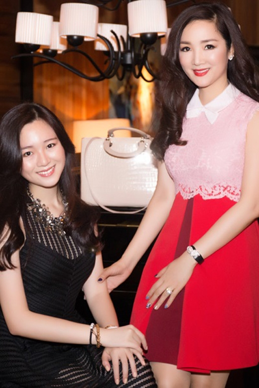 Anh Sa là phiên bản 20 tuổi của người mẹ xinh đẹp nổi tiếng Giáng My.