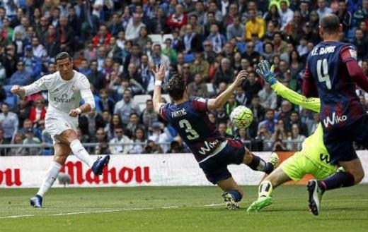 Với 43 bàn thắng cùng 15 kiến tạo (tính ở La Liga và Champions League), Ronaldo chính là cầu thủ tấn công hiệu quả nhất châu Âu thời điểm hiện tại. (Ảnh: Internet)