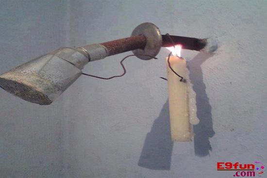 Thế này vừa có đèn vừacó nước nóng tắm.(Ảnh: Internet)