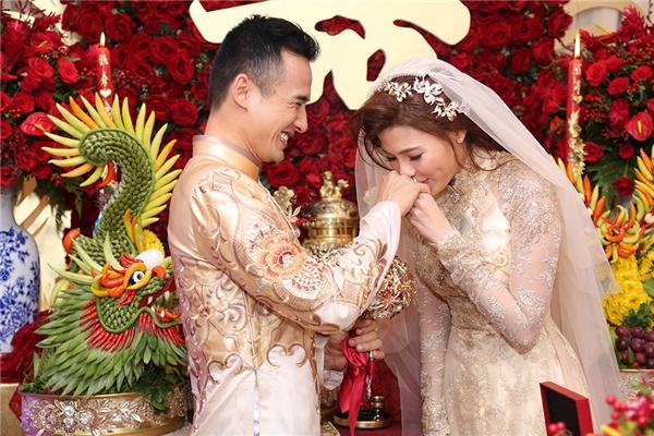 Lương Thế Thành hạnh phúc khoá môi cô dâu Thuý Diễm - Tin sao Viet - Tin tuc sao Viet - Scandal sao Viet - Tin tuc cua Sao - Tin cua Sao