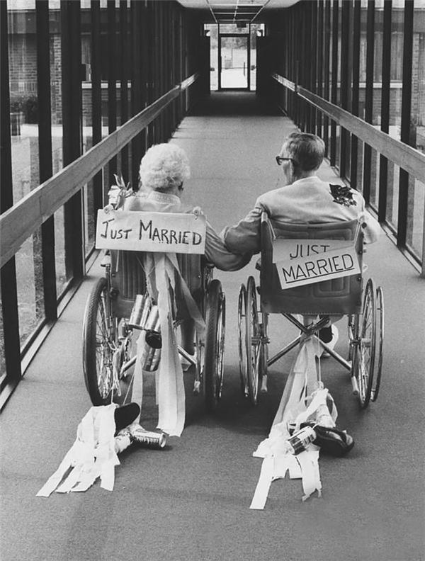 Vừa mới cưới. (Ảnh: Internet)