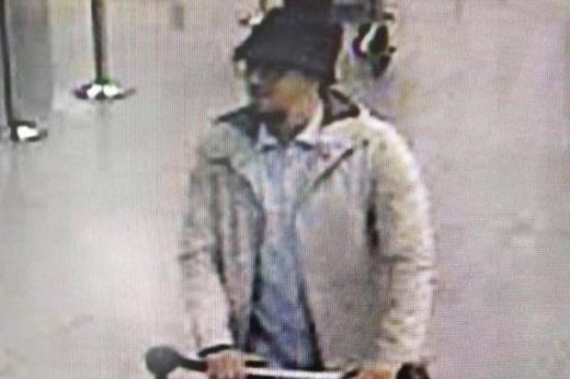 Abrini bị cáo buộc tham gia cả 2 vụ khủng bố ở Bỉ và Pháp. (Ảnh: Internet)