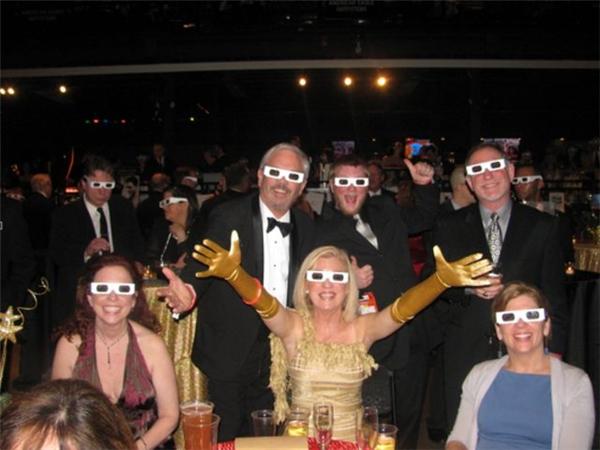 Ngày ấy ai mà được đi xem phim 3D là cả một niềm hạnh phúc. Cơ mà phải ra tận rạp mới xem phim được.(Ảnh: Internet)