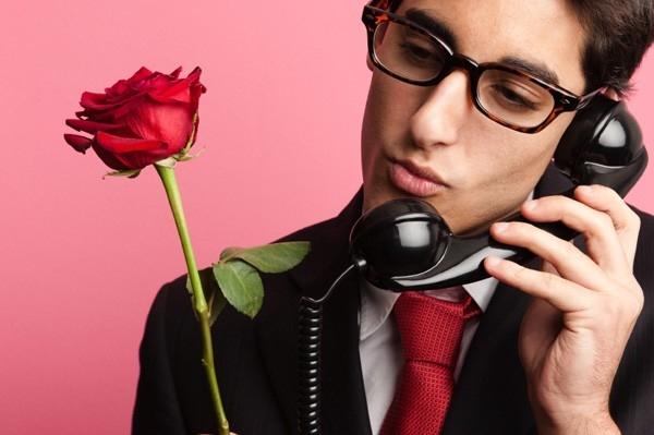 20 dấu hiệu giúp bạn phân biệt gã trai trăng hoa và anh chàng đứng đắn