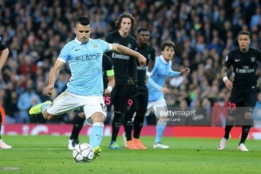 Cơ hội của Manchester City đến từ rất sớm.