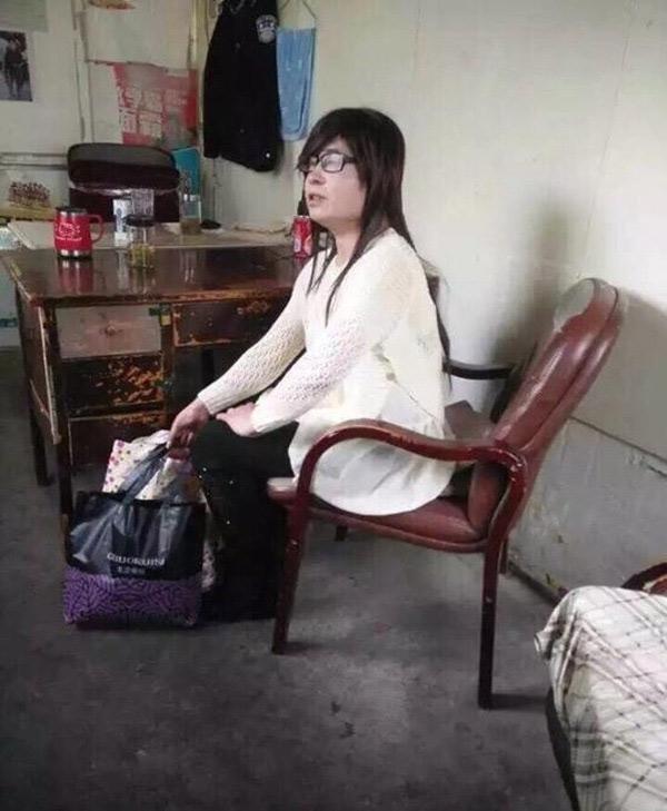 Nam thanh niên bị bắt sau khi cải trang đột nhập vào kí túc xã nữ