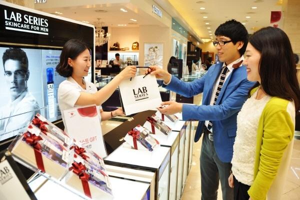 Thị trường mỹ phẩm dành cho nam giới đang bùng nổ tại Hàn Quốc.
