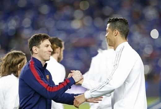 Tính từ mùa giải 2012/13,Ronaldo có tổng số bàn thắng và kiến tạo nhiều hơn bất cứ cầu thủ nào ở Champions League. Top 3:Cristiano Ronaldo (65), Lionel Messi (40), Robert Lewandowski (37).