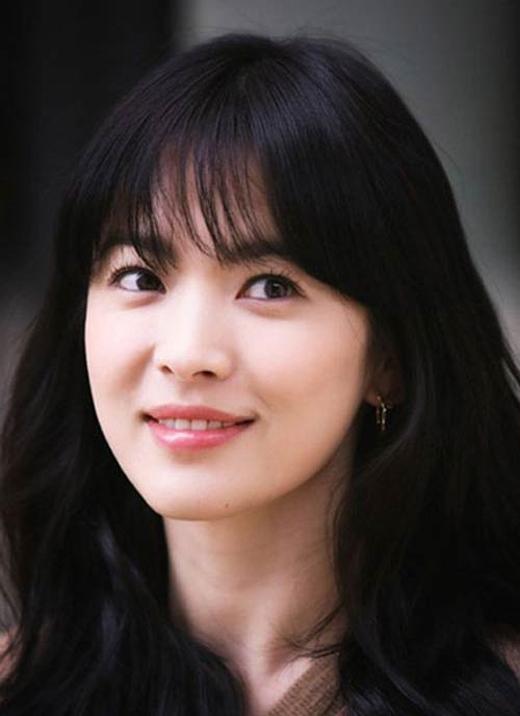 Tuyệt chiêu để tóc mái thưa 'lừa tình' như Song Hye Kyo