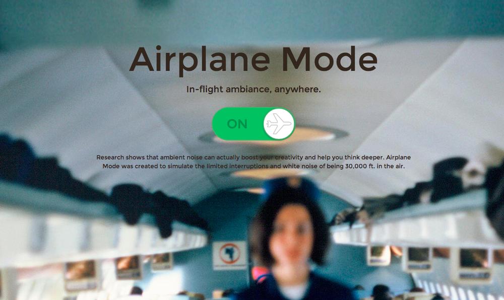 """Hãy chuyển điện thoại về """"chế độ bay"""" để bảo vệ sự an toàn và thoải mái cho chính bản thân và những người cùng bay."""