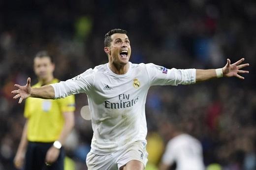Cristiano Ronaldo ca ngợi Zinedine Zidane sau màn lội ngược dòng hoàn hảo của Real Madrid tại tứ kết Champions League.