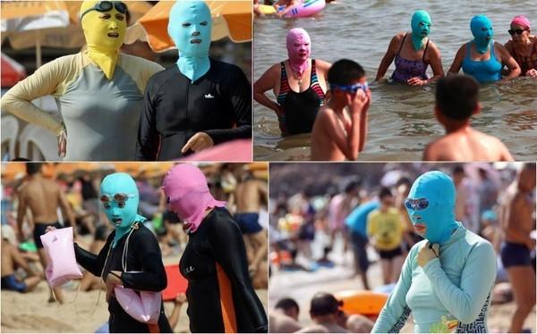 Không những thế, có một thời gian họ còn đeo cả mặt nạ tránh nắng ra biển để bảo vệ làn da mỏng manh khỏi tác hại của tia UV. (Ảnh: Internet)