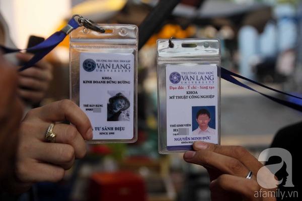 Tấm thẻ thiết kế tựa như thẻ sinh viên của trường ĐH Văn Lang.
