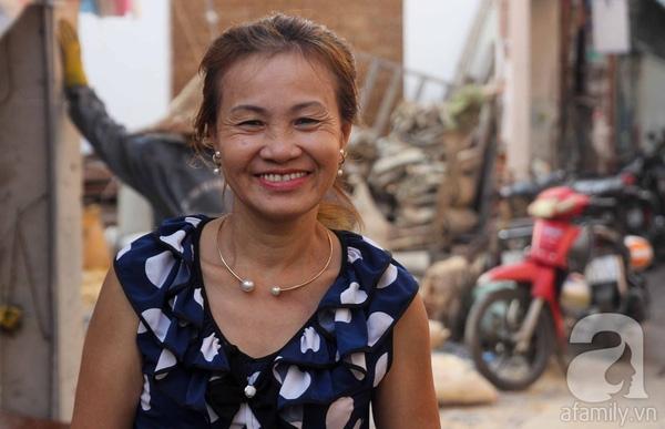 Chân dung Bà Tư sành điệu của nhiều thế hệ sinh viên Văn Lang.