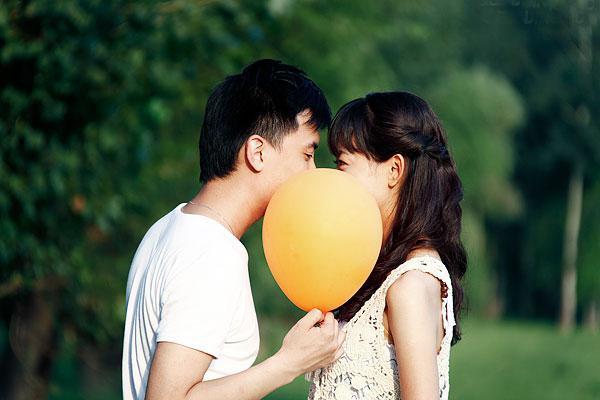 Bí quyết khiến chàng mê đắm chỉ bằng một nụ hôn
