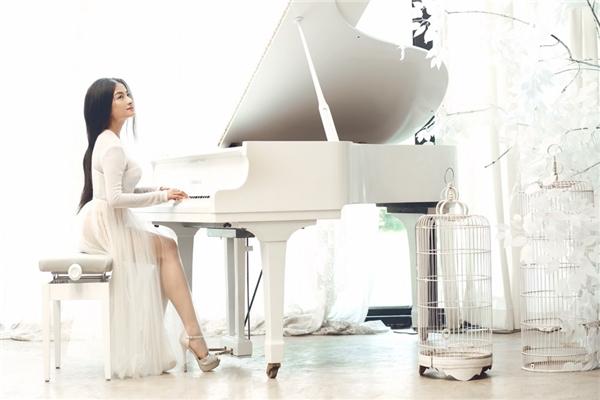 Cô từng khiến nhiều đồng nghiệp ghen tị bởi nhan sắc và tài năng chơi piano điêu luyện. - Tin sao Viet - Tin tuc sao Viet - Scandal sao Viet - Tin tuc cua Sao - Tin cua Sao