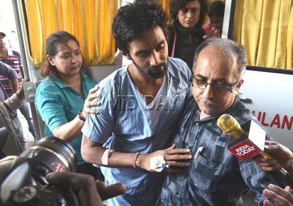 Rahul trình diện tại đồn cảnh sát vào trưa thứ 4