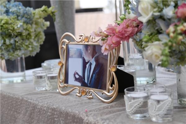 Không gian tiệc cưới của Lương Thế Thành - Thúy Diễm đậm chất lãng mạn, cố tích với những đóa hoa khoe sắc khắp nơi trong khán phòng. - Tin sao Viet - Tin tuc sao Viet - Scandal sao Viet - Tin tuc cua Sao - Tin cua Sao