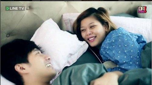 Đặc biệt, cuộc số hạnh phúc của cặp đôi này còn xuất hiện trong một chương trình TV của Thái Lan.