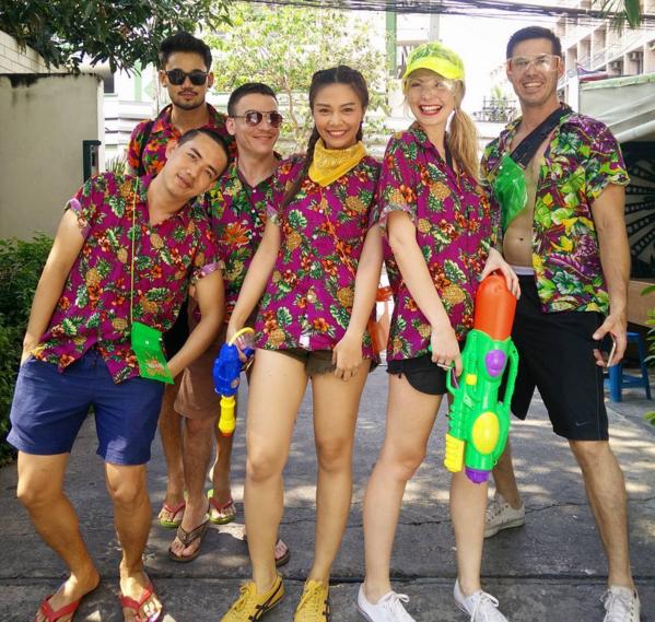 Songkran rất xứng đáng là một trong những mùa lễ hội có nhiều trai xinh gái đẹp nhất! (@piimchanok_s).