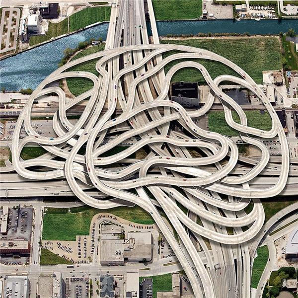 """Dường như bộ não con người là cả một mạng lưới giao thông ngoằn nghoèo, rối rắm và những """"chiếc xe suy nghĩ"""" phải di chuyển liên tục không một giây phút ngơi nghỉ. (Ảnh: Igor Morski)"""