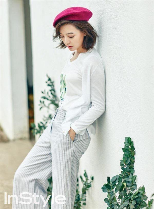 Sau Hậu duệ mặt trời, Kim Ji Won trở thành nữ quân nhân vạn người mê