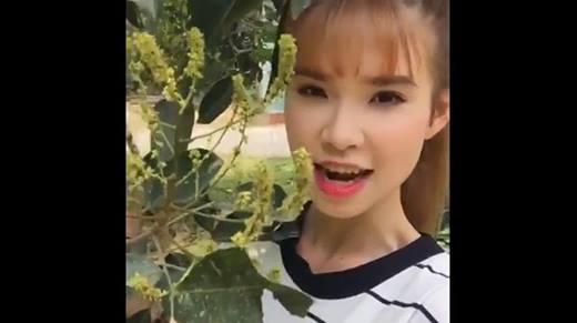 """Khởi My hào hứng """"khoe"""" vườn trái cây nhà mình cùng fan"""