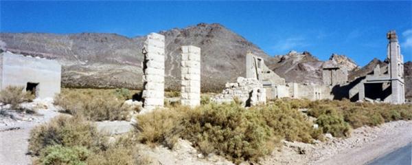 Thạch anh và vàng từng là mục tiêu của nhiều người khi đến Rhyolite