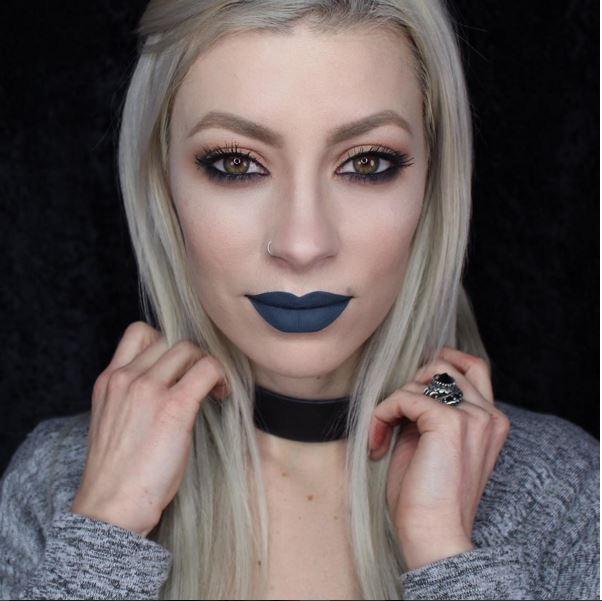 Xanh pha đen hay xanh xám cũng khiến bạn khó thể rời mắt.