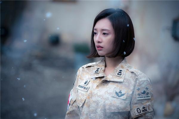 """Yoon Myung Joo """"suýt chết"""" trong kết thúc ban đầu"""