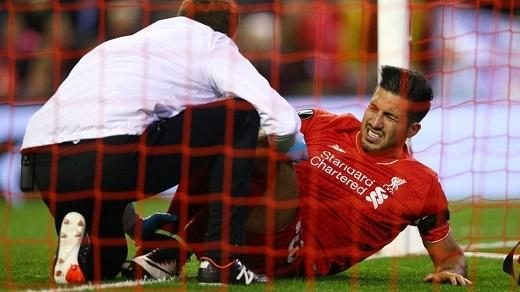 Emre Can dính chấn thương nặng trong chiến thắng trước Dortmund. (Ảnh: Internet)