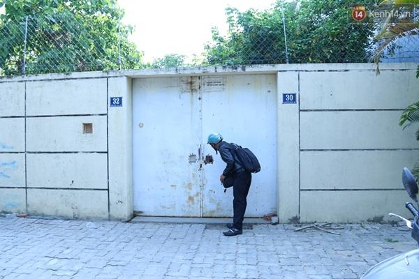 Chiều ngày 15/4, Trạm cứu hộ chó mèo Đà Nẵng đóng cửa kín mít.