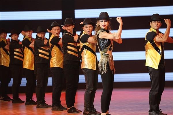 Những điệu nhảy huyền thoại một thời cũng được mang lên sân khấu Vip dance. - Tin sao Viet - Tin tuc sao Viet - Scandal sao Viet - Tin tuc cua Sao - Tin cua Sao