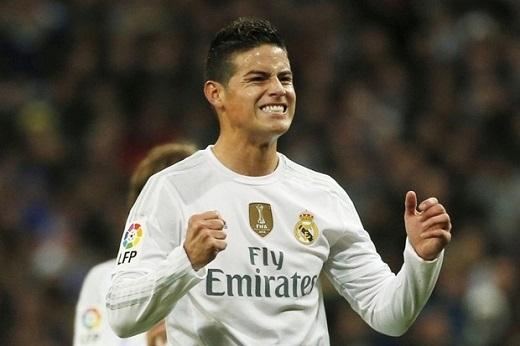 8. James Rodriguez đến Manchester United:James Rodriguez dường như đang bị HLV Zidane bỏ quên trên băng ghế dự bị, anh hiện đang có rất ít cơ hội được ra sân để cống hiến cho Real Madrid. Bị bỏ quên bởi NHM và các nhà quản lí, bất kìcầu thủ nào cũng sẽ nản chí và điều đó là cơ hội tuyệt vời để Manchester United nhảy vào giành chữ kícủa James. Hiện nay, M.U tuyên bố rằng sẵn sàng trả 60 triệu bảng để có được sự phục vụ của James. (Ảnh: Internet)