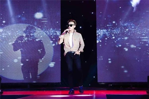 Anh chàng đã thể hiện loạt các ca khúc: Daydream, Vui đi em,…. - Tin sao Viet - Tin tuc sao Viet - Scandal sao Viet - Tin tuc cua Sao - Tin cua Sao