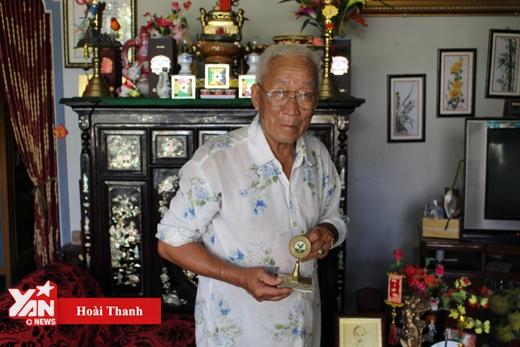 Ông lão 40 năm cứu người và cuốn sổ tử thần ở cầu Cần Thơ
