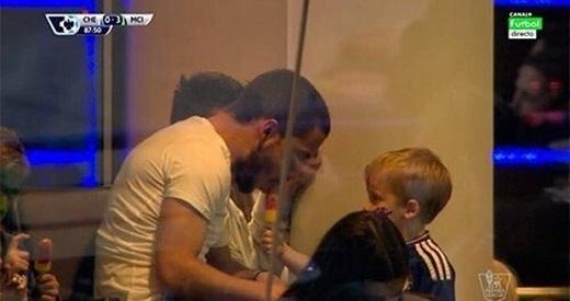 Khoảnh khắc khiến Hazard bị CĐV Chelsea lên án.