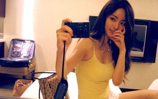 Cô giáo xinh đẹp và sexy nhất Hàn Quốc.