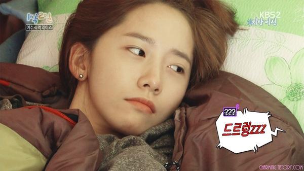Ngay cả khi mới ngủ dậy thì làn da cùng gương mặt của YoonA cũng hoàn hảo một cách đáng ngưỡng mộ.