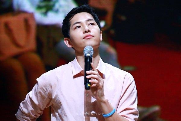 Tan chảy khi nghe Song Joong Ki hát nhạc phim Hậu duệ mặt trời